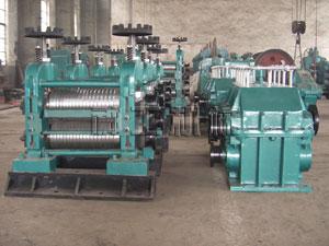 轧钢机包括 三大部分
